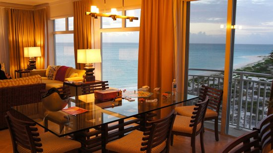 The Venetian on Grace Bay: dining area