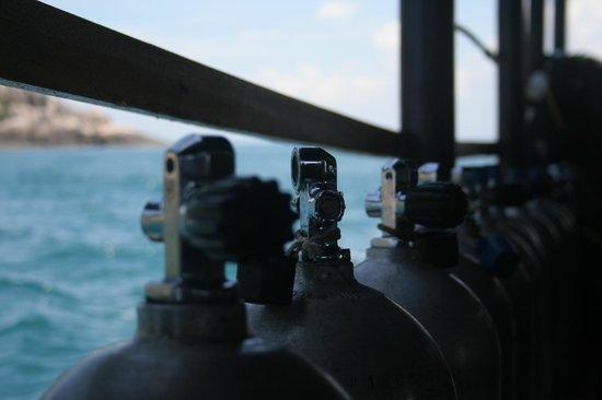 Cham Island Diving: Tanks