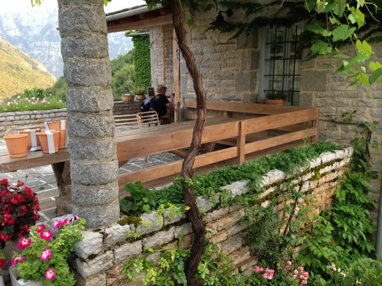 Astra Traditional Inn: Resto