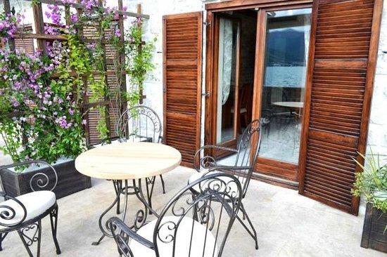 Eco Hotel Carrubba: Terrace of Senioe Suite Room
