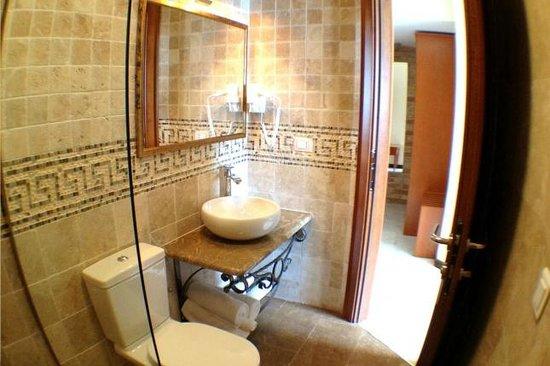 Eco Hotel Carrubba: Bathroom of Double Room