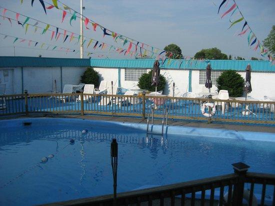 Motel Iberville : Pool