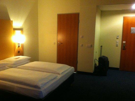 Ramada Hotel Berlin-Mitte: Room