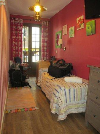 Pension Amaiur: Room 12 (Half of it)