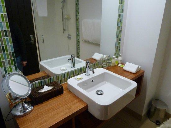 Te Waonui Forest Retreat: Room