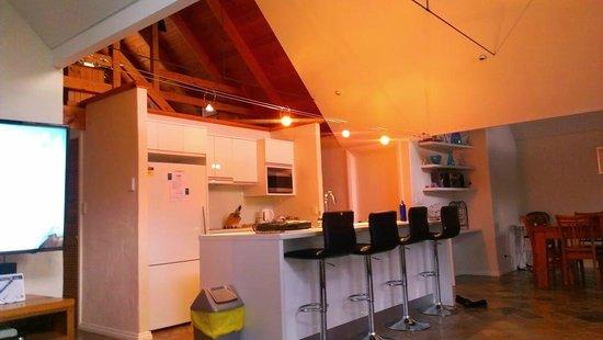 Whalers Cove Villas: kitchen
