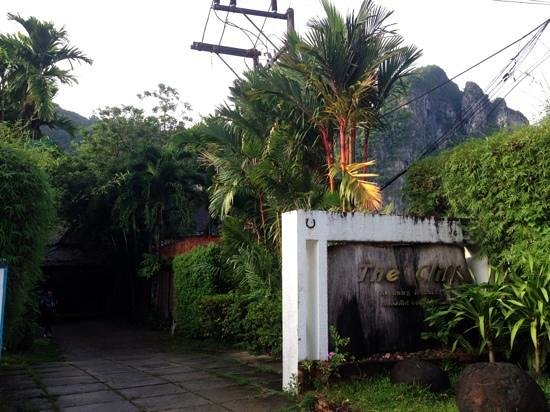 The Cliff Ao Nang Resort : entrance to hotel