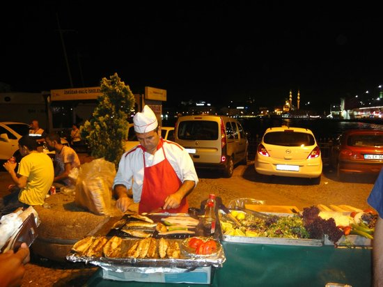 My Local Guide Istanbul Tours : fish kebab - delicious experience