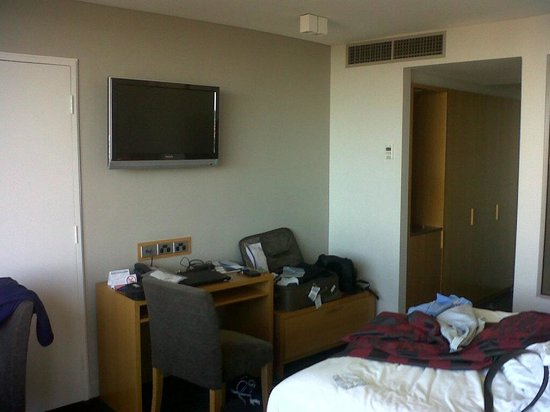 North Sydney Harbourview Hotel: Small area for study
