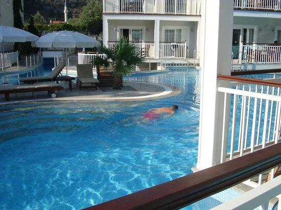 Mozaik Boutique Hotel Rooms & Apartments : Pool view