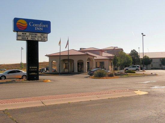 Comfort Inn hotel, entrance