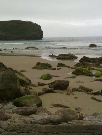 Playa de la Ballota : Playa de Ballota