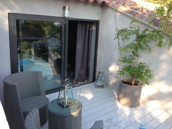 Le Mazet de Camaïsse : terrasse de la suite