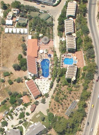 smartline Flamingo: The hotel from the air, flying over on my paraglider