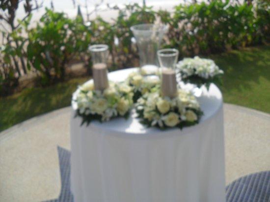 Katathani Phuket Beach Resort: Unity of the Sands Ceremony
