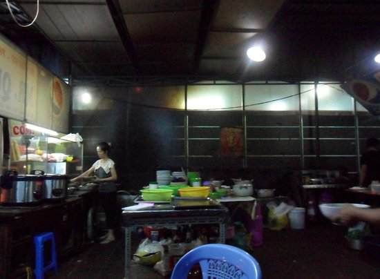 Mr Quang: open kitchen