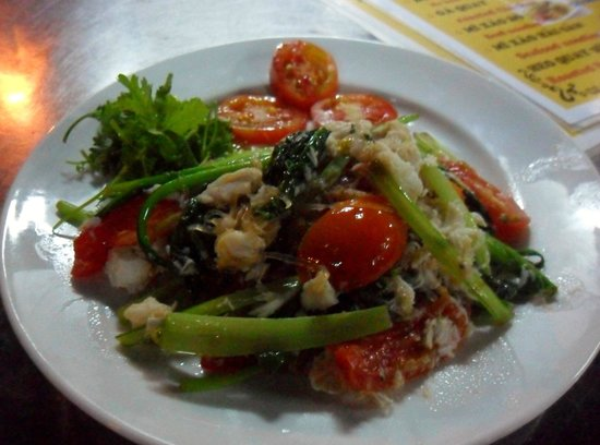Mr Quang: the most expensive course on menu, the crab meat with noodle