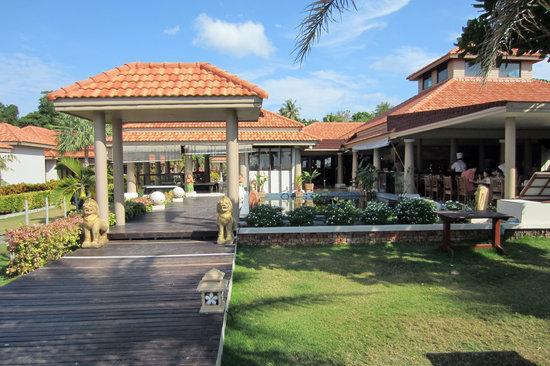 Sita Beach Resort & Spa: Frontbild på hotellet