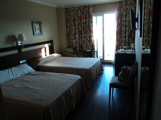 Hotel Bahia de Almunecar: Habitacion