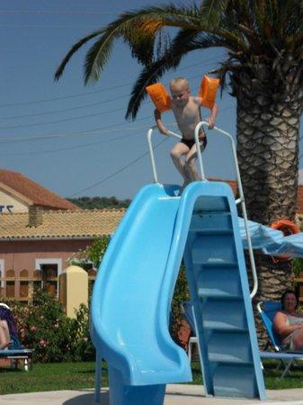 Christina Apartments: slide in pool