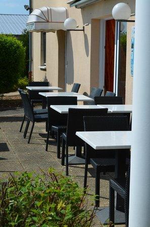 Hotel Altina: Terrasse au soleil