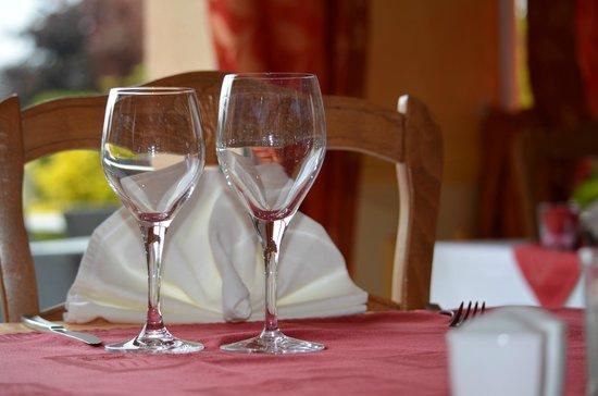 Hotel Altina: A table