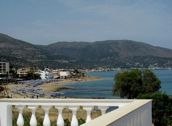 Pyrgos Beach Hotel: пляж