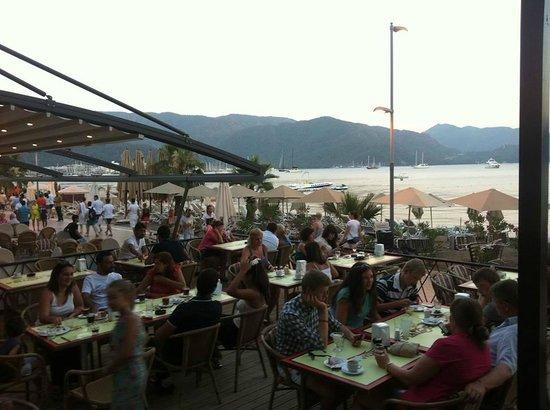 Mehtap Beach Hotel: Terrace
