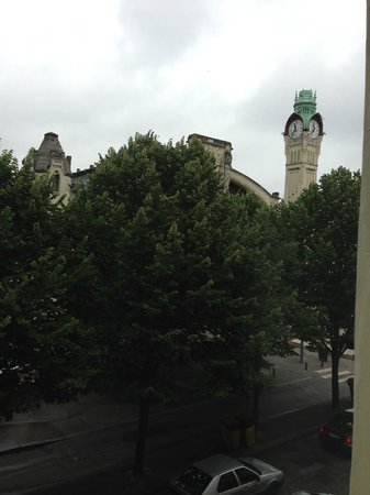 BEST WESTERN Hôtel de Dieppe : View from window in room, looking towards railway station