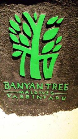 Banyan Tree Vabbinfaru: Resort signboard