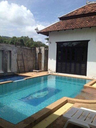 Mandawee Resort & Spa: สระว่ายน้ำที่พัก
