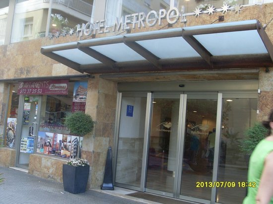 Hotel Metropol: Вход в отель