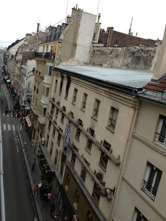 Hôtel Opéra d'Antin : View from bedroom window
