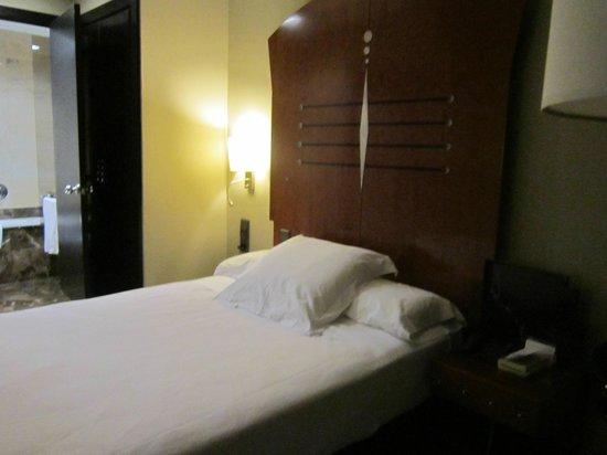 Hotel Acta City47: La camera letto singolo ma queen size, comodissimo!!!