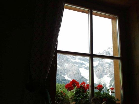 Rifugio Croda Rossa - Rotwandwiesenhutte : Vista dall'interno