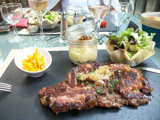 Dannemois, Γαλλία: La véritable Charolaise ou Limousine