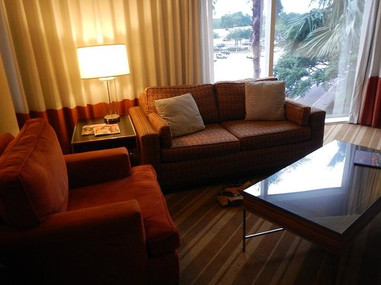 InterContinental Hotel Tampa: Living room of our room (Rm 328)