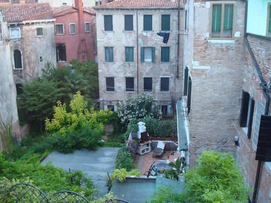 Locanda Casa Martini: CASA MARTINI VIEW FROM ROOM