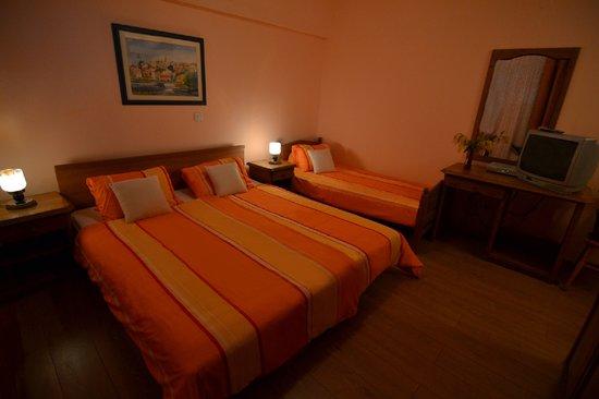 Hotel Pension Villa Gloria: Triple room with balcony