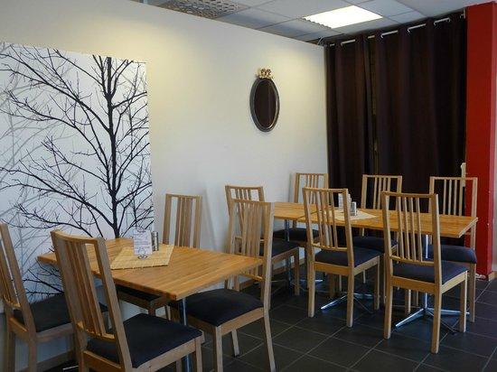 Vanadis Hotell & Bad : salle du petit déjeuner