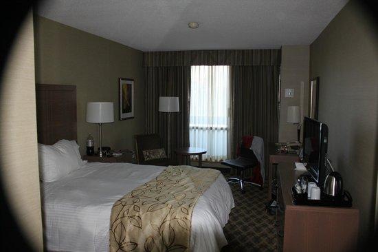 Chelsea Hotel, Toronto: Room with balcony
