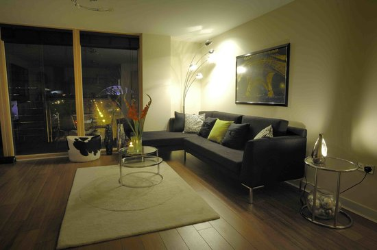 The Hub - City Apartments: Vizion lounge