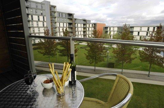 The Hub - City Apartments: Balcony
