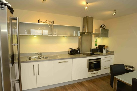 The Hub - City Apartments: Fully Equipped Kitchen