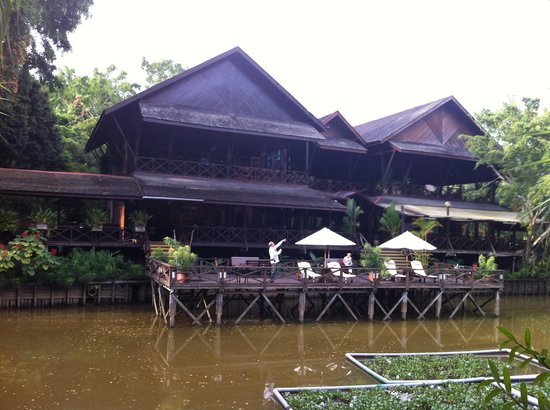 Sepilok Nature Resort: Restaurant and terrace