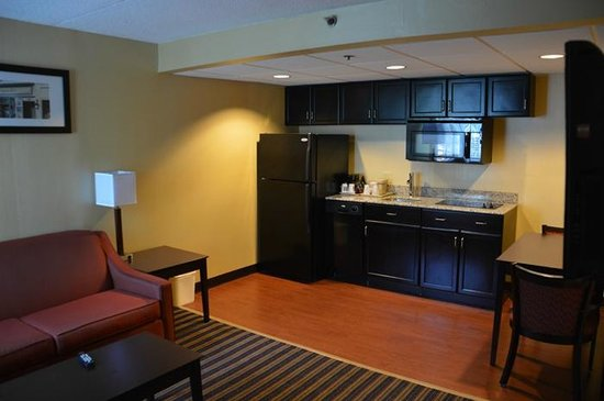 Comfort Inn & Suites East Hartford: With two flat-screens and two rooms, we enjoyed our stay,