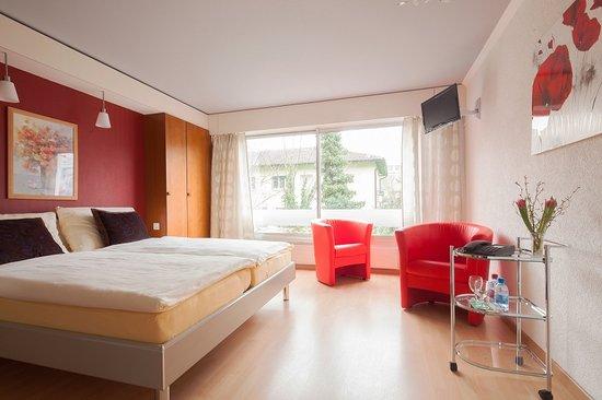 Hotel Metropol Biel : Double room