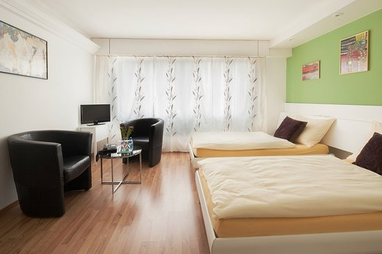 Hotel Metropol Biel : Double room comfort