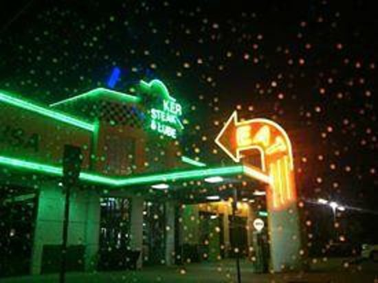 Quaker Steak & Lube in Clearwater on a rainy July night!