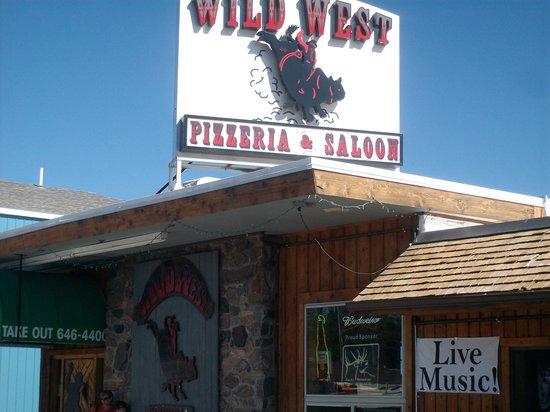 Wild West Pizzeria : Restaurant front